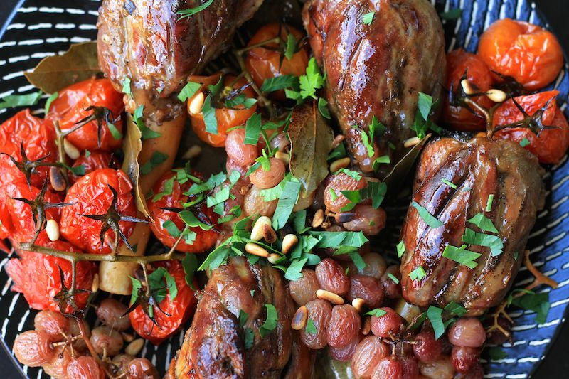 Lamb shanks with pomegranate and lemon, ready to eat