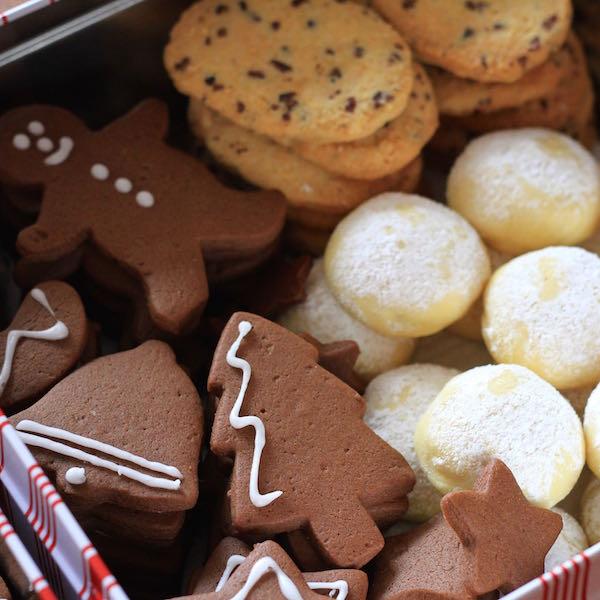 Christmas cookie gift tins 2