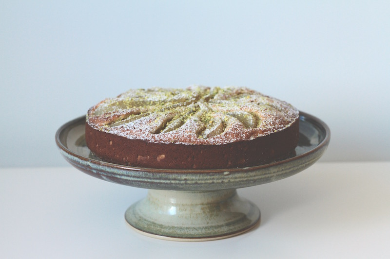 Green pottery cake stand