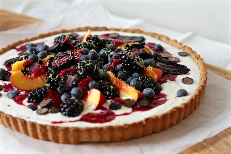 Berries, yoghurt, lemon and honey tart