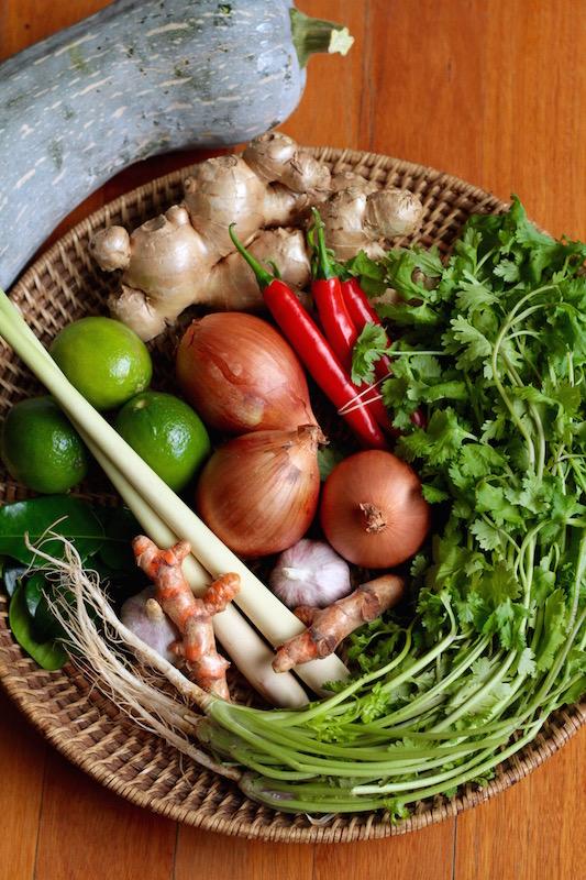 Ginger, chilli, turmeric, lemongrass, garlic, onion, coriander, kaffir lime, lime and pumpkin
