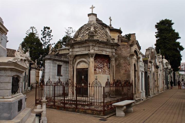 recoleta-cemetery-buenos-aires-argentina