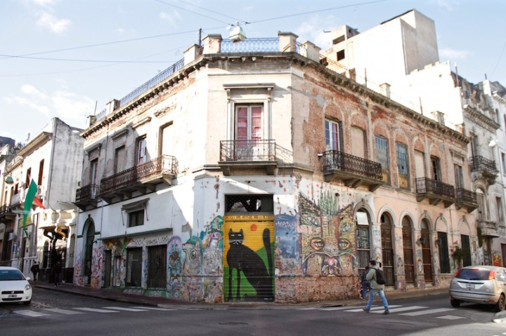 streets-of-san-telmo-buenos-aires-argentina