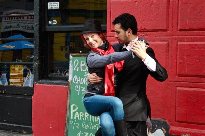 tango-in-la-boca-buenos-aires-argentina
